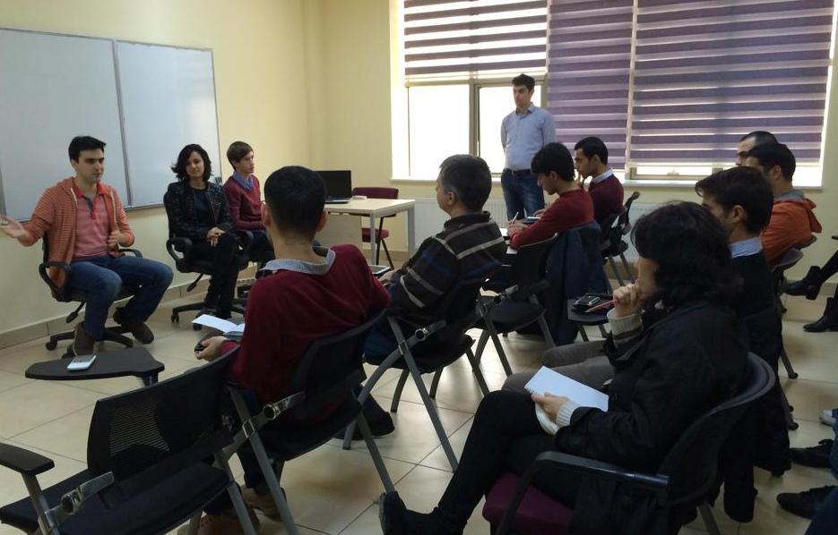 """""""Startup İstanbul 2014""""-ün iştirakçıları ilə görüş keçirildi"""
