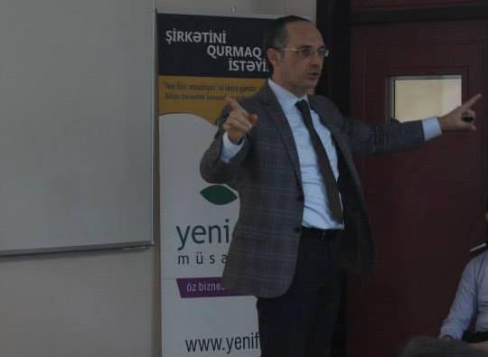 """QUTechnopark """"Firma rəhbəri və Zamanın İdarə Olunması"""" seminarını keçirdi"""