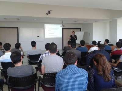 QUTechnopark təşəbbüskarlıq seminarları silsiləsində ilk seminarı keçirdi.